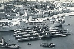 rp14671 - Royal Navy Submarines & Depot Ship at Malta - photo 6x4