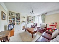 A lovely, good sized three bedroom family home a short walk from Earlsfield, £460pw Unfurnished