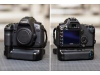 Canon EOS 5D MKII 21.1 megapixel DSLR full frame camera -Body + Battery Grip