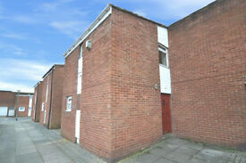 Skelmersdale, Spacious 5 Bed House, No Tenancy Deposit Required, Benefit Claimants accepted, £950pm