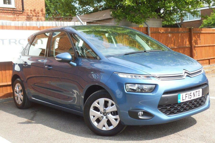 citroen c4 picasso 1 6 hdi 90bhp vtr kyanos blue metallic 2015 in aylesbury. Black Bedroom Furniture Sets. Home Design Ideas