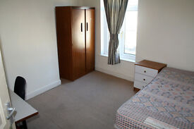 1 x bedroom available in a STUDENT HOUSE in Harborne, ONLY £195/month!!! NO DEPOSIT!! NO FEES!!
