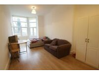 2 bedroom flat in Mount View Road, Crouch End N4