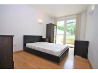 STUDENT FRIENDLY SUPERB 3 DOUBLE BED 2 BATH DUPLEX APARTMENT HELION FURNISHED E14 CANARY WHARF