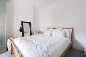 1 bedroom flat in Ravensbury Road, London, SW18