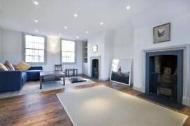 4 bedroom flat in Turner Street, E1