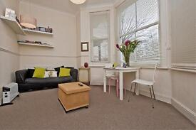Studio flat in Rastell Avenue, Streatham Hill, SW2