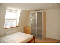 Double room available in a stylish three bed flat in Clapham South – from June 11th - £810 per month