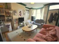 2 bedroom house in Royal Park Avenue
