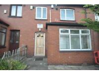 3 bedrooms in Mayville Avenue, Hyde Park, Leeds LS6 1NQ