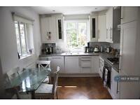 2 bedroom flat in Stangate Mansions, Twickenham, TW1 (2 bed)