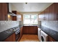 6 bedrooms in Hessle Avenue, Hyde Park, Leeds LS6 1EF