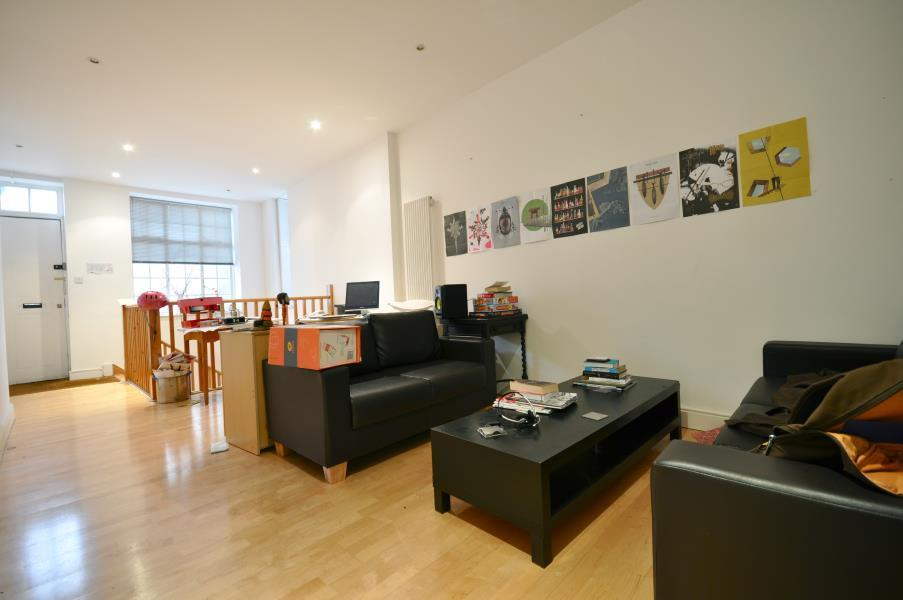 2 bedroom flat in Hackney Road, Shoreditch, E2