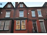 3 bedrooms in Pearson Grove, Hyde Park, Leeds LS6 1JB