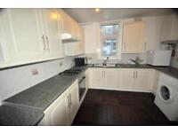 6 bedrooms in Ebberston Terrace, Hyde Park, Leeds LS6 1AU
