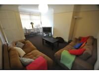 2 bedrooms in Hessle Road, Hyde Park, Leeds LS6 1EH