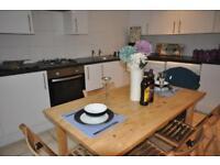 5 bedrooms in Thornville Crescent, Hyde Park, Leeds LS6 1JH