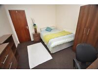 6 bedrooms in Richmond Mount, Hyde Park LS6 1DF