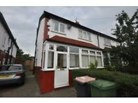 3 bedrooms in Brudenell Road, Hyde Park, Leeds LS6 1LS