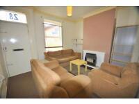 3 bedrooms in School View, Hyde Park, Leeds LS6 1EN