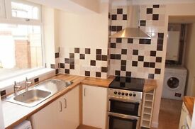 Golden Triangle Professional Female House Share, Large Double Room to Rent