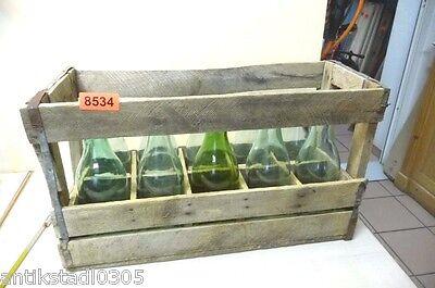 Nr. 8534.     Alte Kiste mit 10  Milchflaschen Deko Milchflaschen