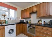2 bedroom flat in Rathmell Drive, London, SW4