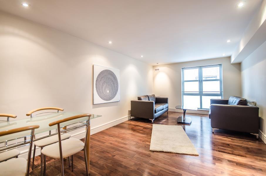 2 bedroom flat in Elizabeth Mews, E2
