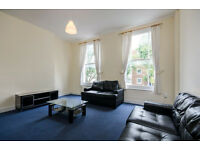 Lovely spacious 3 bedroom house to let with a shared garden to let in Holloway N7