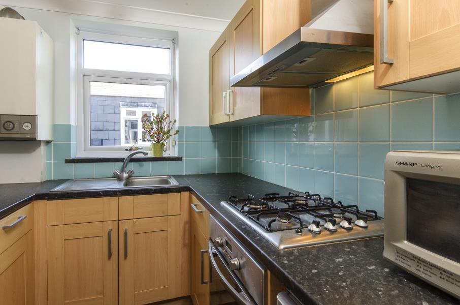1 bedroom flat in Culverden Road, London, SW12