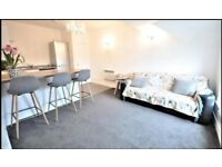 Beautiful 2 Bed Apartment to Rent in St Anne's. With Parking. Town centre location. STUNNING