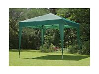 Home 2.4m x 2.4m Pop Up Garden Gazebo - Green (Used) A-