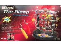 BEAT THE BLEEP GAME, SIMULTANEOUS 2 PLAYER GAME, DUAL CONTROL, MUSIC & TIMER, GREAT CONDITION.