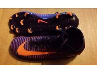 Nike Jr. Mercurial Superfly V Sock Boots size 3.5 in as new condition