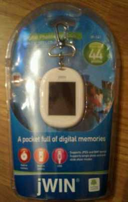 Jwin Digital Photo Keychain Holds 44 Pictures 1.8 Lcd Tft Color Display