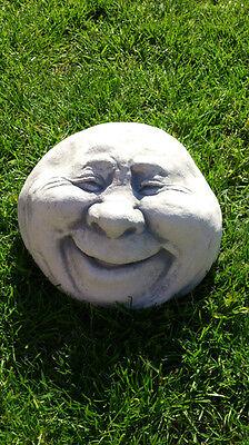 """Gartenfiguren Skulpturen Steinkopf """"Gesicht  lachend"""" Steinguss 12 cm Gartendeko"""