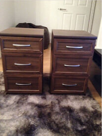 2 Matching Bedside Tables