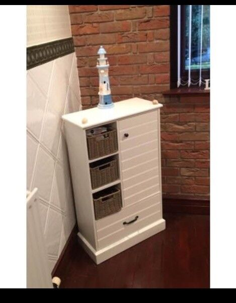 White Wooden Bathroom Furniture