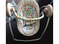 Baby bouncer/music swing