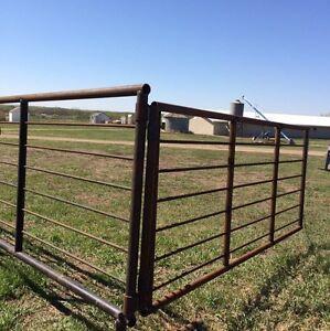 Corral panels  for  sale  $ Gate Panels Bison Panels