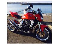 Red Kawasaki Z1000 2004