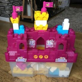 Girls Mega Bloks (building blocks) Palace theme