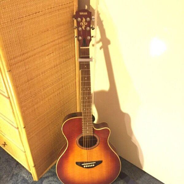 Yamaha Apx 4a Spl Electro Acoustic Guitar In Hemel Hempstead