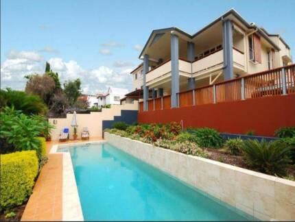 Short-term room for rent South Brisbane