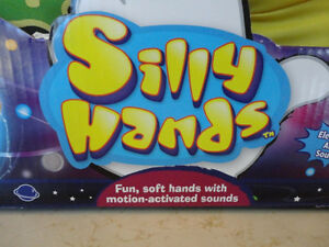 Kellytoy Silly Hands Alien Model - Brand New never Used Kitchener / Waterloo Kitchener Area image 3