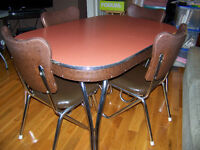 50'S/60'S CHROME TABLE AND CHAIRS