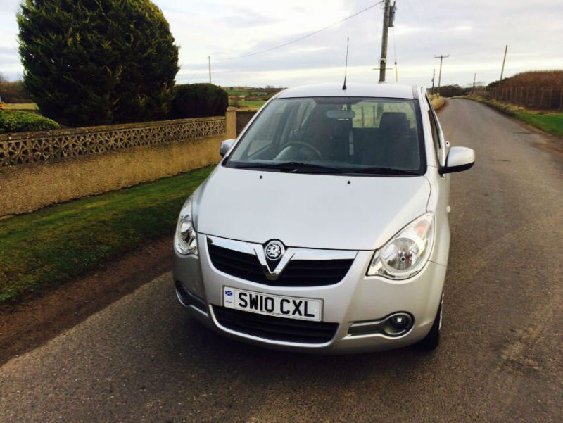 2010 10 Vauxhall Agila 1.0i 12v ecoFLEX Club Silver 5 Door £30 Road Tax.