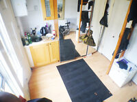 **£180 INCLUDING BILLS** Self-contained studio flat - PERFECT LOCATION - COMPACT - GOOD VALUE