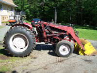 IH-444 Diesel Tractor with loader