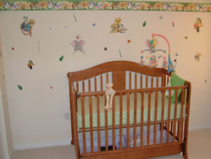 Baby Crib: 3-in-1, convertible with drawers/change table unit